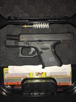 Glock 26 Gen 4 w/33rd mag, 3-10rd mags, speed loader, cleaning tools, lock and case