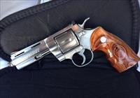 New Rare Stainless Steel Finished Colt Python Elite