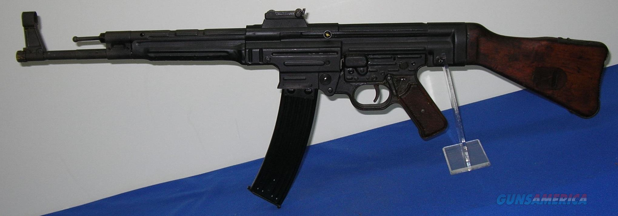 German MP-44 Dummy Machine Gun