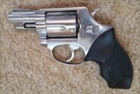 TAURUS 85IS STAINLESS REVOLVER 2'BRL.  38SP.  5 ROUNDS.