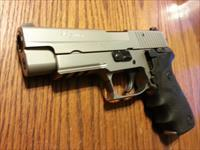 Sig Sauer P220ST All Stainless 45 ACP, Night Sights 7 Mags