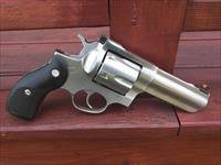 Ruger Redhawk 44 Mag Stainless 4