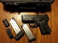 Springfield XDS 40, 40 S&W, NIB, 2 Mags, Fiber Optic Front Sight