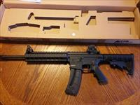 "Smith & Wesson S&W M&P 15-22 AR22 25rd mag Like New In Box 16"" Quad Rail Iron Sights"