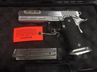 STI 2011 DVC Limited .40S&W,  Titanium Finish