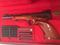 Browning Medalist .22 Pistol in original box - very close to absolute mint condition