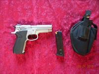 Smith & Wesson Model 5903 9mm