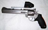 "Taurus Raging Bull 454 Casull ""New"" In Box  with Red/Green Dot Sight and Ammo +"