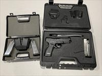 Springfield XD9 w/ 4 Mags, Holster & Loader