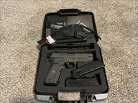 SIG SAUER P226 LEGION 9mm w/3 MAGS & X-RAY SIGHTS