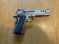 Smith & Wesson Performance Center 1911