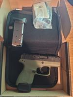 Beretta APX carry 9mm green
