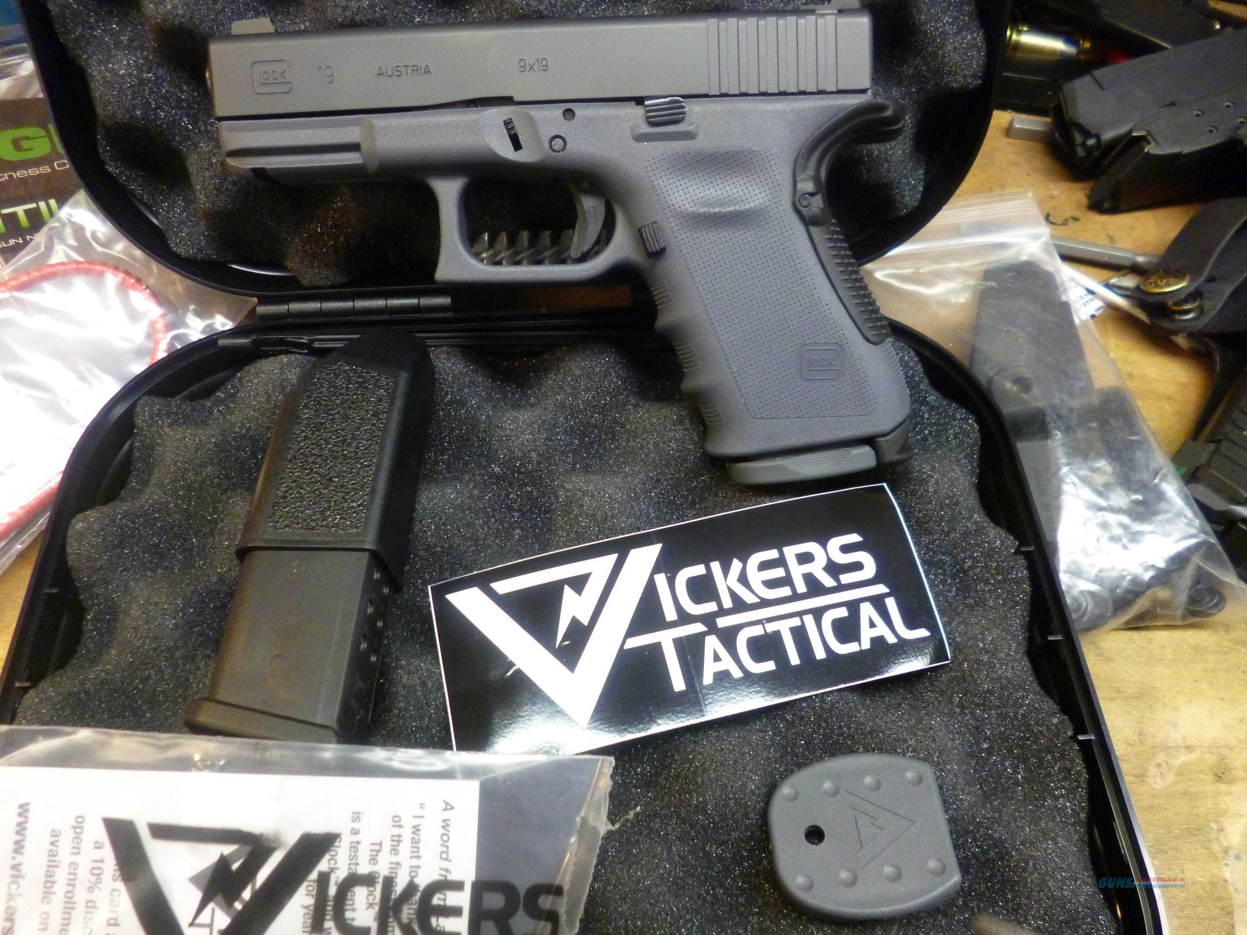 LARRY VICKERS GLOCK 19 LIPSEY'S LIMITED EDITION GRAY