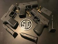 Sig Sauer - P320 Compact - w/Night Sights