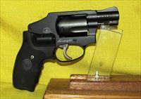 S&W (AIRWEIGHT) 442-2 (WITH CRIMSON TRACE GRIPS)