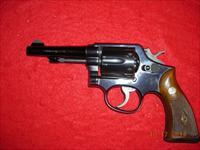 SMITH AND WESSON MODEL 10 -5