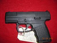 SMITH AND WESSON M&P 40C