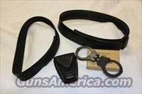 Safariland Duty and under belt w/cuffs & case