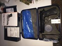 NEW Beretta M9 9mm pistol with 3 - 15 rounds magazines