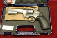 "SMITH AND WESSON MODEL 629 CLASSIC 44MAG. 5"" STAINLESS NEW"