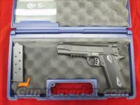 "COLT "" RAIL GUN "" GOVT. MODEL ENHANCED SERIES 45ACP BLACKENED STAINLESS WITH FACTORY TAC. RAIL USED LIKE NEW"