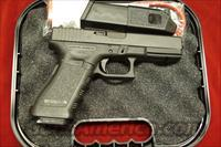 GLOCK MODEL 22 40 CAL. WITH  HIGH CAPACITY MAGAZINES NEW