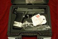 SIG SAUER P226 40 CAL. WITH NIGHT SIGHTS NEW