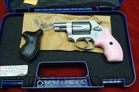 SMITH AND WESSON MODEL 637 AIRWEIGHT W/PINK GRIPS NEW  (150467)