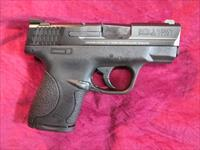 SMITH AND WESSON M&P SHIELD 40 CAL W/ NIGHT SIGHTS NEW (10214)