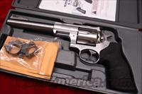 "RUGER SUPER REDHAWK HUNTER  7.5"" STAINLESS 44MAG. WITH RINGS NEW IN THE BOX (KSRH-7)   (05501)"