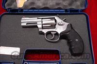 "SMITH AND WESSON MODEL 686 PLUS 3"" 357MAG STAINLESS NEW (164300)"