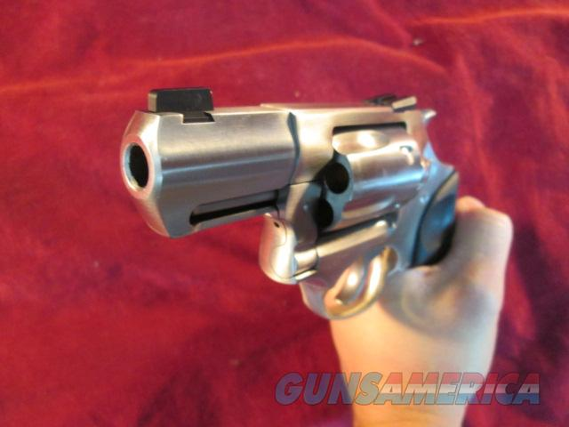 Ruger sp 101 357 mag wiley clapp series w novak sights new 05774