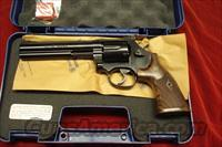 "SMITH AND WESSON MODEL 586 CLASSIC 6"" BLUE 357CAL.NEW  (150908)"