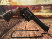 "SMITH AND WESSON MODEL 586 CLASSIC 6"" BLUE 357CAL. NEW (150908)"