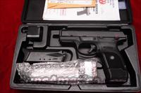RUGER SR40C (COMPACT) BLACK NEW (IN STOCK)! (BSR40C)