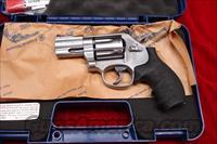 "SMITH AND WESSON MODEL 686 PLUS 2.5"" 357MAG STAINLESS NEW"