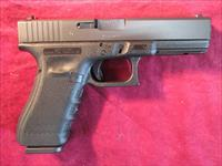 GLOCK MODEL 17 GENERATION 4 U.S.A MADE 9MM WITH 3 SEVENTEEN ROUND MAGAZINES NEW (UG1750203)