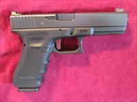 GLOCK 17 GEN 4 9MM W/ VICKERS ELITE SIGHTS AND OVERWATCH DAT TRIGGER USED