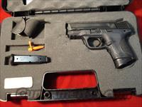 SMITH AND WESSON M&P COMPACT 40CAL NEW