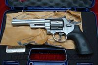 "SMITH AND WESSON MODEL 629 6"" 44MAG. NEW"