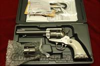 "RUGER STAINLESS NEW MODEL BLACKHAWK 45COLT/45ACP CONVERTABLE 5.5"" FLATTOP NEW (KNVB-455X)"