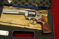 "SMITH AND WESSON MODEL 629 DELUXE 6.5"" 44MAG. NEW"