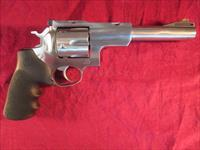 "RUGER STAINLESS SUPER REDHAWK 44MAG 6.5"" W/ SCOPE RINGS NEW"