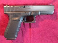 GLOCK 17 GEN 4 9MM VERY GENTLY USED