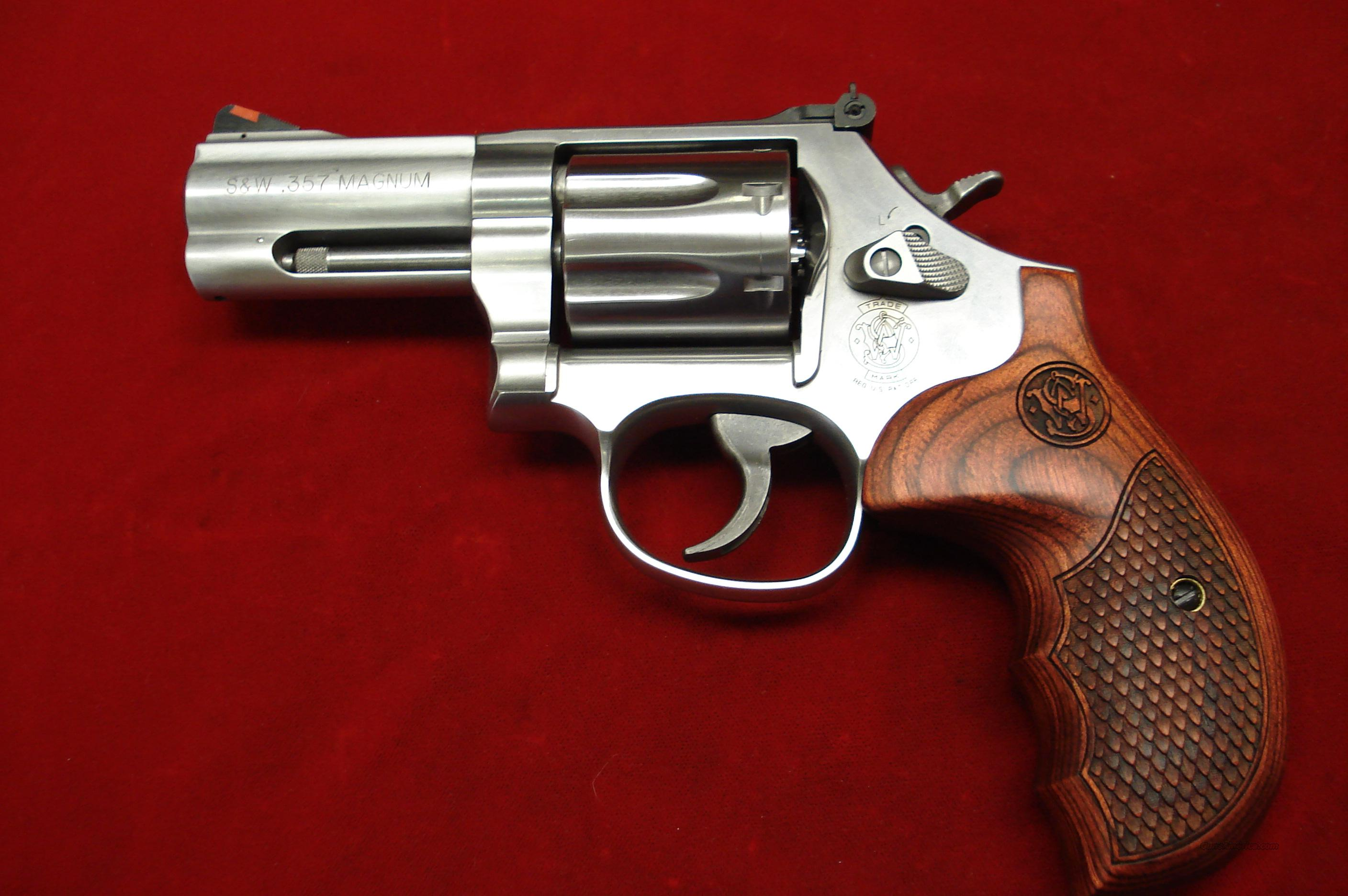 smith and wesson model 686 plus 3 deluxe 357ma for sale. Black Bedroom Furniture Sets. Home Design Ideas