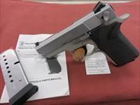 Smith & Wesson 4013 Compact