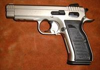 "EAA/Tanfoglio (made in Italy), Witness EA 45 Series, N.I.B., .45 ACP, DA/SA, full size, steel frame, 4½"" barrel, Wonder Finish"