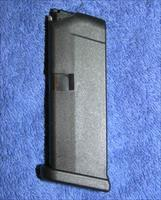Glock 42 mag Holds 6 rounds of .380 new