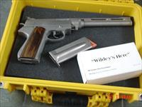 "Wildey Hunter,10"" barrel,475 magnum,2 magazines,Pelican case & 50 rounds of factory rare Wildey ammo.awesome hand cannon !!"