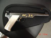 Colt rare Bullseye Match Target/Woodsman,1939,master engraved by Angelo Bee,gold animals,& inlays,real Ivory grips,1 of a kind masterpiece !!22 LR